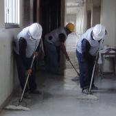 学校清掃作業